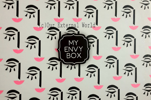 MyEnvyBox Lashes And Pouts Box