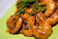 Menu udang goreng mentega merupakan variasi lainnya dalam cara memasak aneka olahan udang RESEP UDANG GORENG MENTEGA ENAK