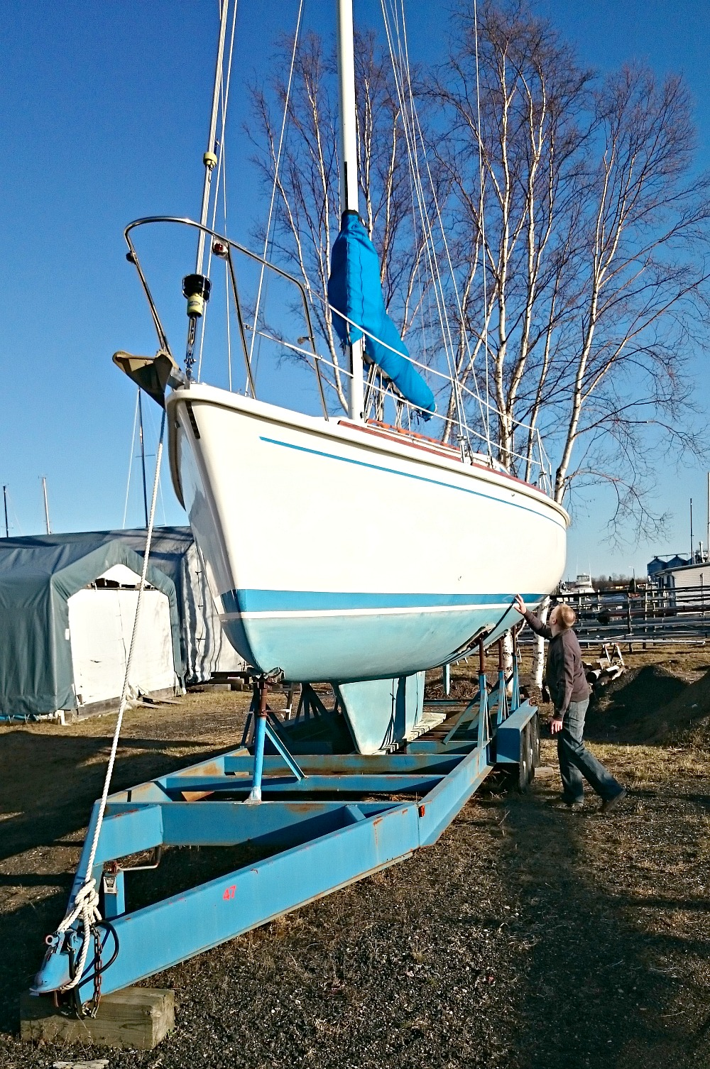Inspecting an Allmand 30 Sailboat | @danslelakehouse
