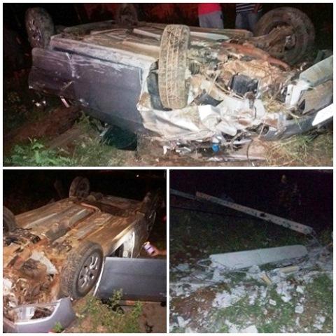 Motorista perde controle de veículo, bate em poste e capota na entrada da cidade de Livramento