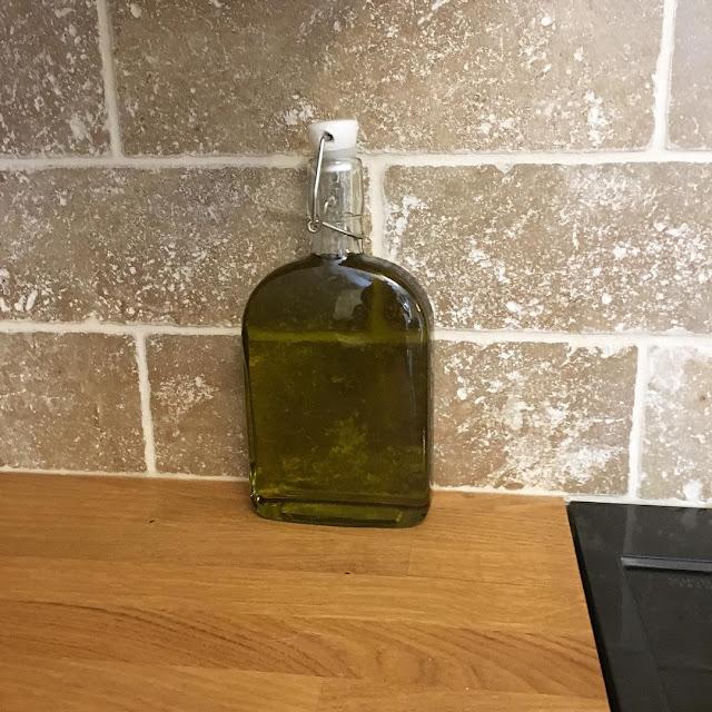 minyak goreng untuk rambut