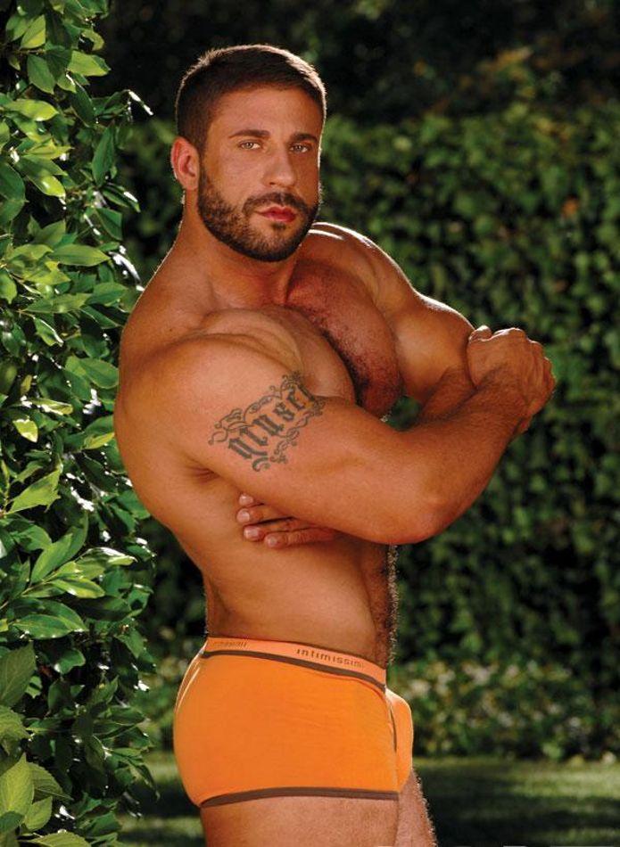 Daily Bodybuilding Motivation: HOT MALE MODEL CARLO MASI