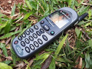 Hape Jadul Motorola L2000 L-Series Seken Langka Sinyal Kuat