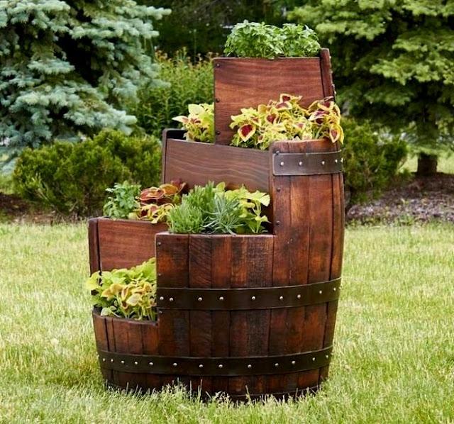 Gartendeko aus altem holz und bad for Gartendeko aus altem holz