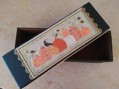cartonnage, bordado, broderie, embroidery, punto cruz, cross stitch, point croix, pumpkin row