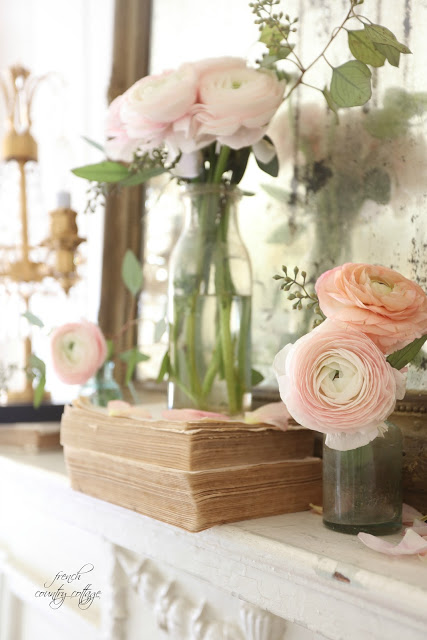 French Country Fridays- 5 minute spring mantel decor