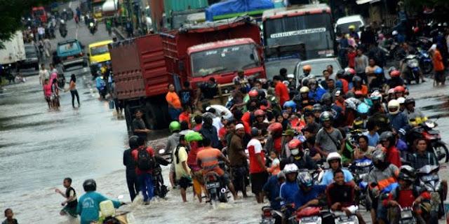Hujan Deras, Surabaya-Probolinggo Terputus 14 Jam