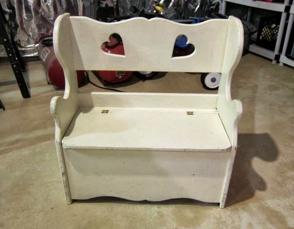 This children's bench was my 2nd project with DIY Chalk paint.