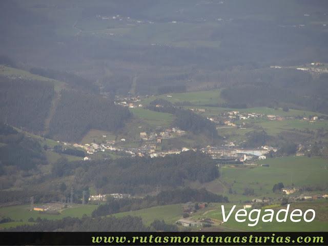 Vista de Vegadeo desde Pousadoiro