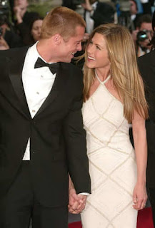 Brad Pitt apologises to Jennifer Aniston
