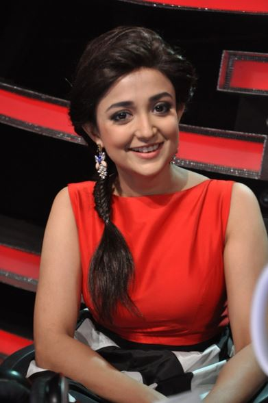 Monali Thakur in Saree