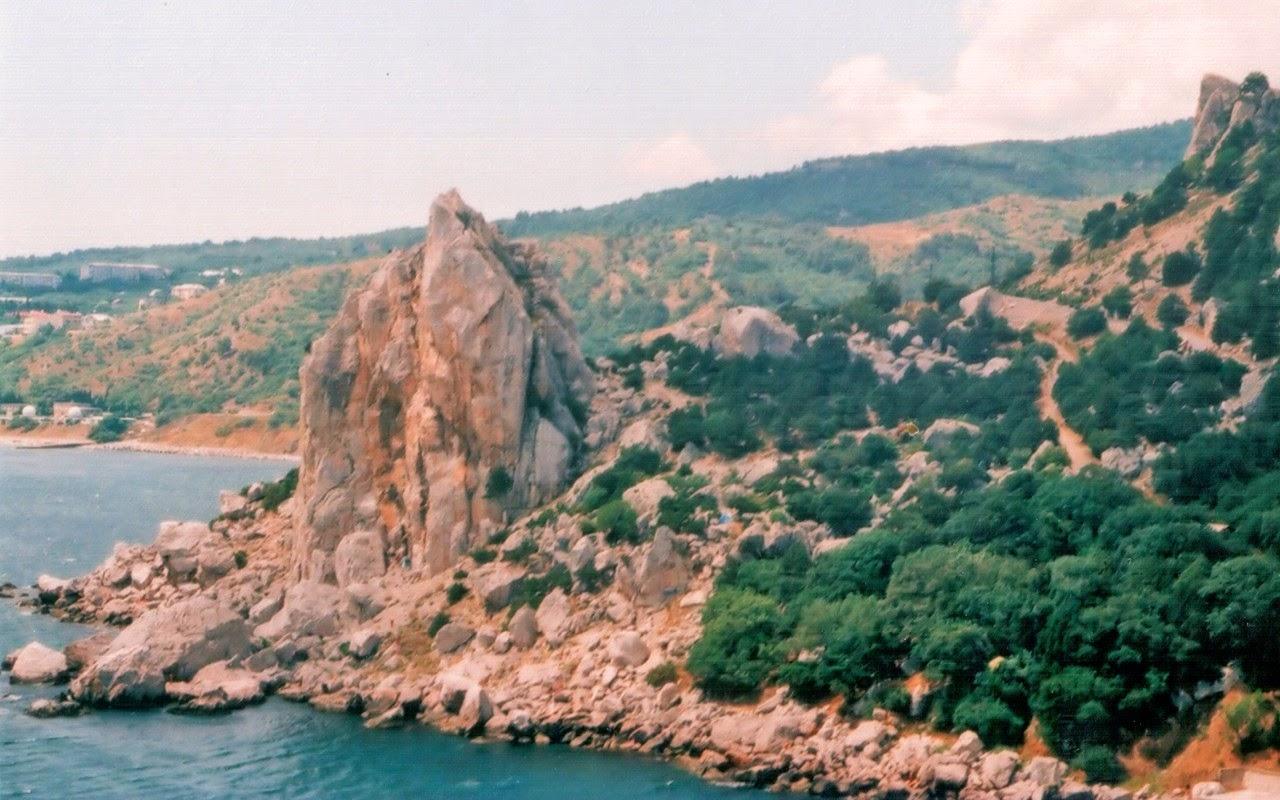 Каменный хаос и скала Крыло Лебедя