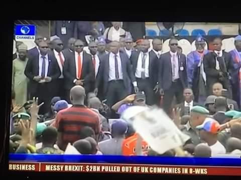 Buhari booed, stoned as crisis mars Ogun APC Presidential rally