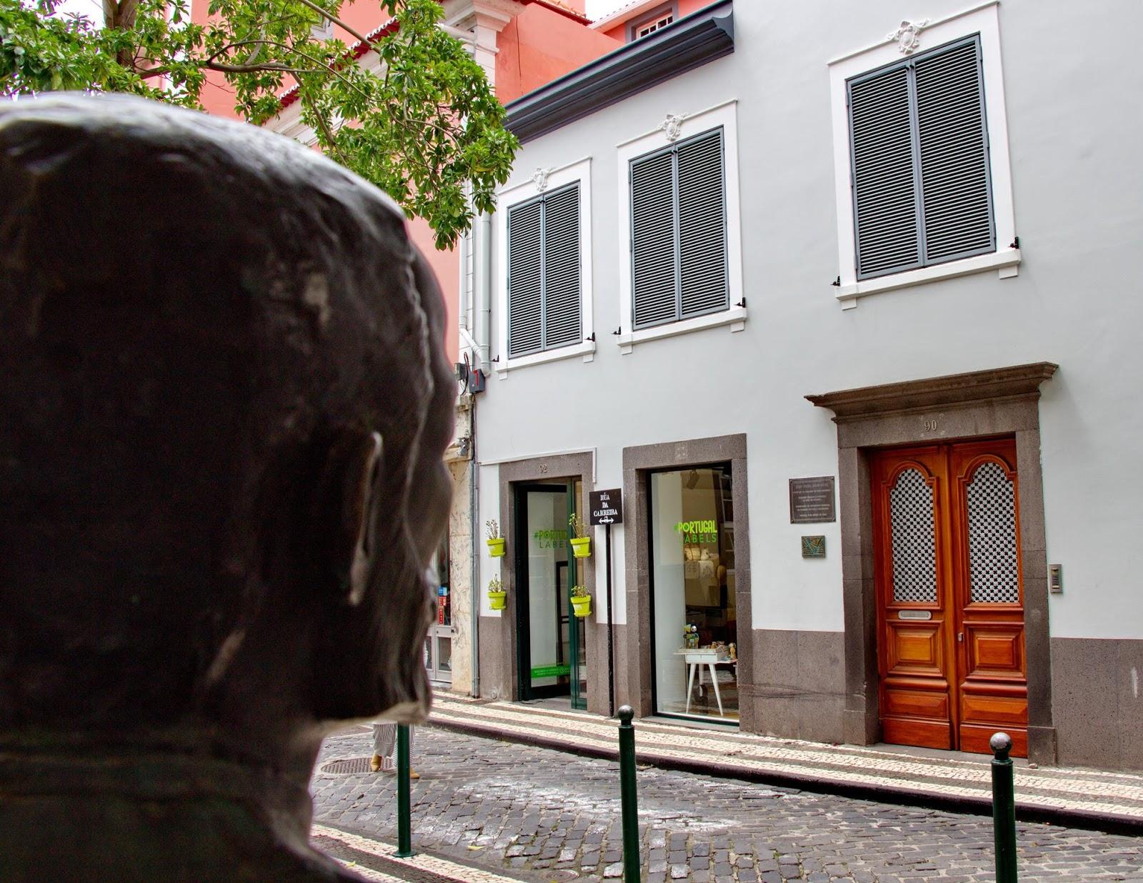 Júlio Diniz continua a olhar pela casa da Carreira