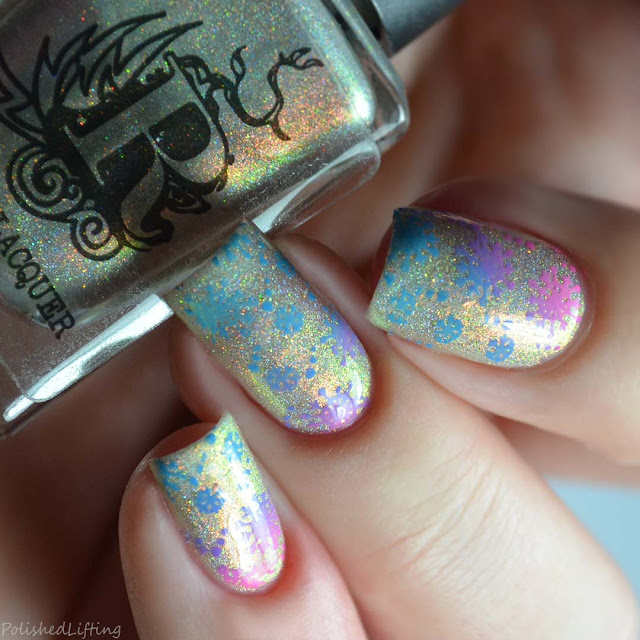 gradient snowflake nail art