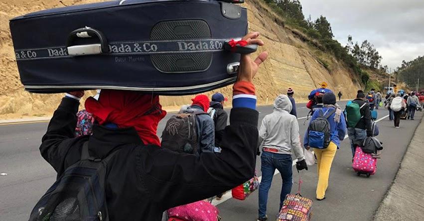 Juez ordena a Ecuador suspender requisito de pasaporte para ingreso de venezolanos a su territorio por 45 días