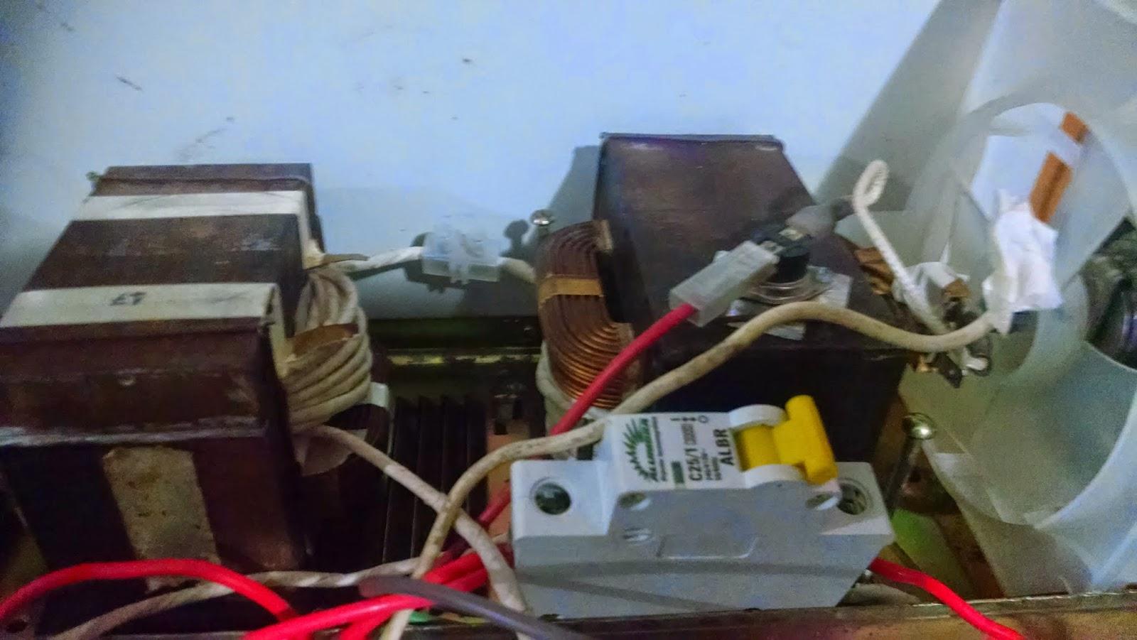 Máquina de solda caseira, transformadores com disjuntor 25A.