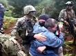 """VIDEO; Militares capturan a 10 Viagras y rescatan empresario político de Morena """"levantado"""" en Michoacán"""