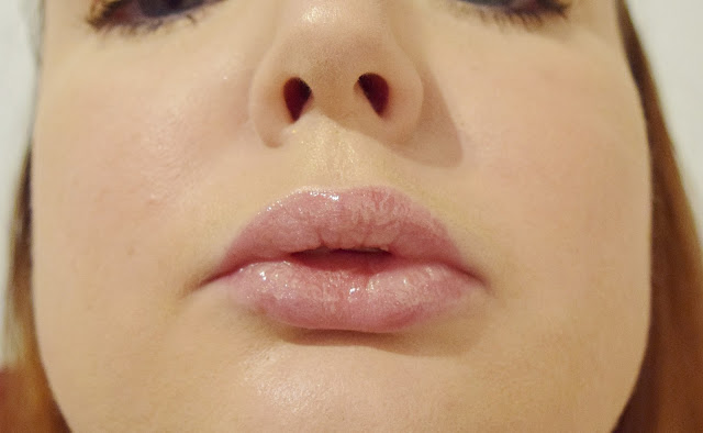 Marc Jacobs Beauty Enamoured Hi-Shine Gloss Lip Lacquer in Love Buzz Swatch