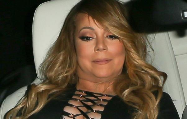 Mariah Carey estaria enfrentando problemas com o peso e lutando contra uma compulsão alimentar. Segundo o site Radar Online, a cantora está com 120 quilos