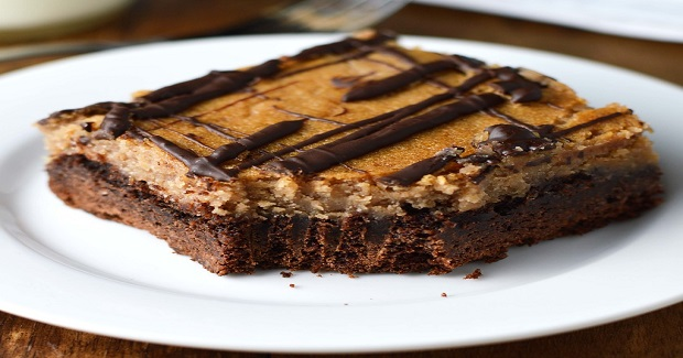 Chocolate Peanut Butter Gooey Cake Recipe
