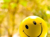 Kata Kata Menutupi kesedihan Dengan Senyuman