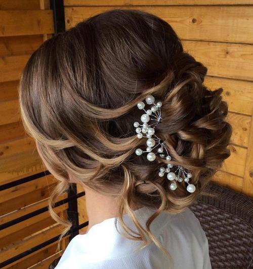 10 Loose Curly Updo For Wedding