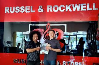 Russel & Rockwell, Brand Alat Musik Asal Bandung Sukses Go Internasional
