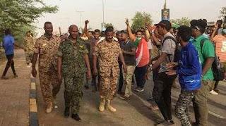 جيش السودان يقطع بث الإذاعة الحكومية ويبث أغاني وطنية
