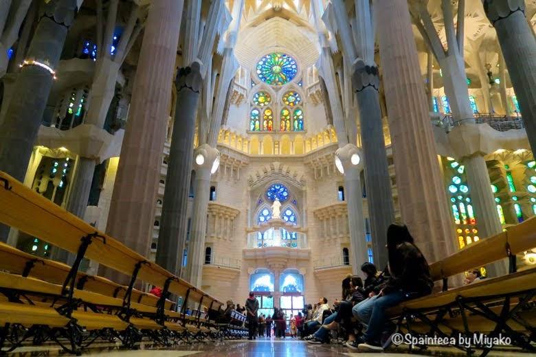 世界遺産サグラダ·ファミリア教会の内部 Basílica de la Sagrada Família, Barcelona
