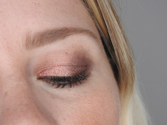 Love Of Color - One & Done Shadow stick / Empress Me et Peachy Sheen