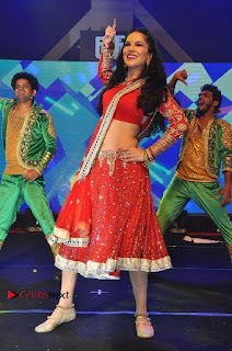 Bollywood Actress Model Sunny Leone Dance Performance in Red Half Saree at Rogue Audio Launch 13 March 2017  0183.jpg