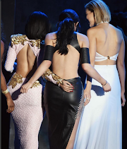 Photos; Nicki places her hands on Kylie Jenner's booty