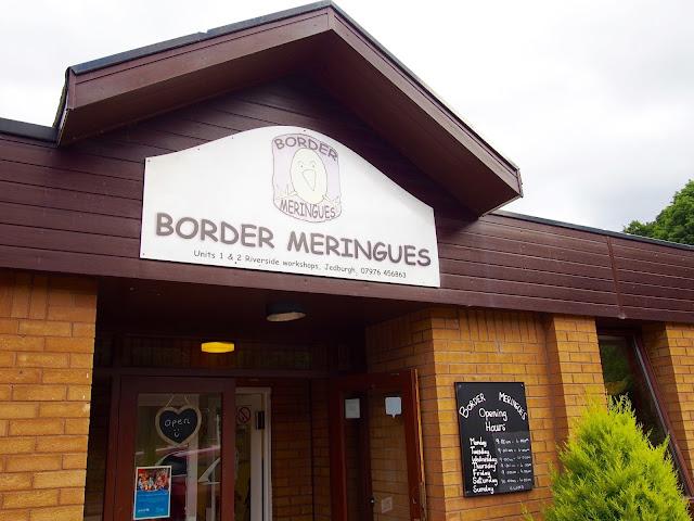 Border Meringues