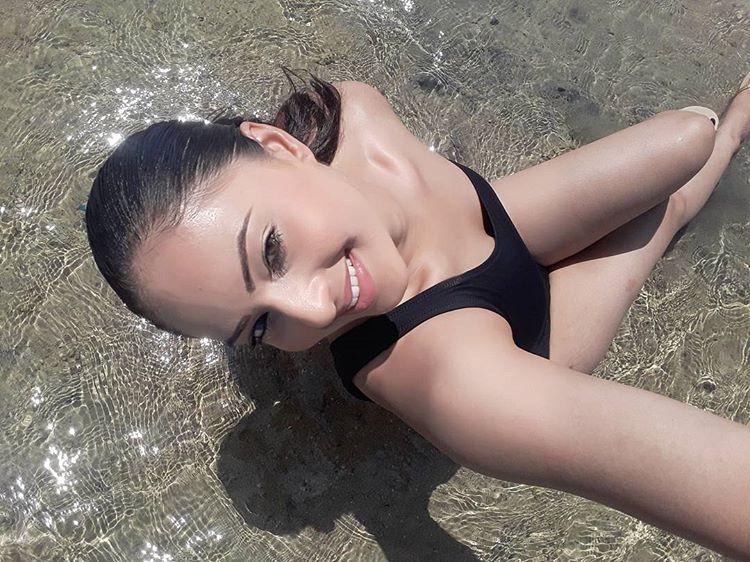 Nikesha Patel Instagram Sexy Photos