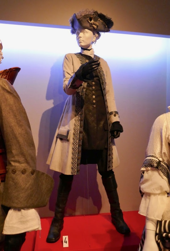 Rachel Weisz Favourite Lady Sarah shooting costume