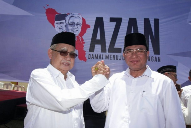 Zaini Abdullah Bawa 200 Ribu Lebih KTP ke KIP Aceh