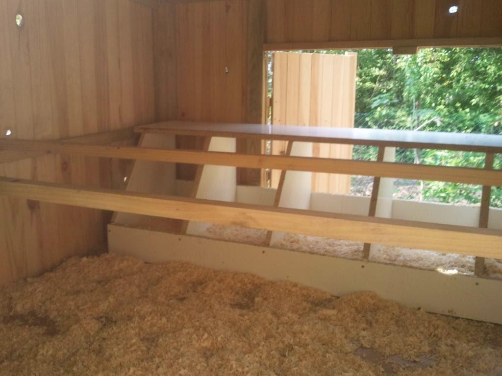 el blog de la elena un blog dulce divertido y entretenido gallinero de madera para 6 8 gallinas. Black Bedroom Furniture Sets. Home Design Ideas