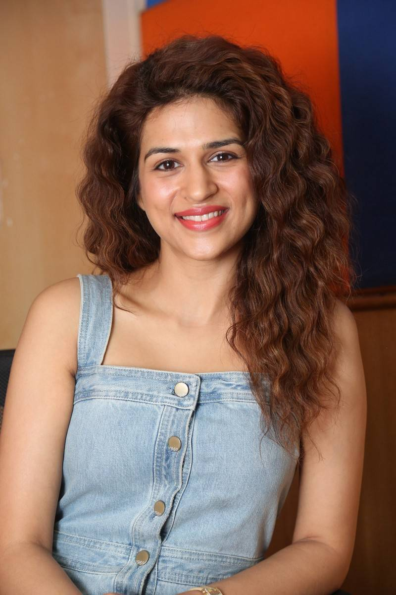 Tollywood Actress Shraddha Das Latest Photos Stills
