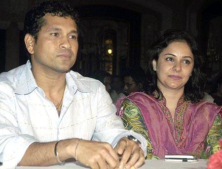 Famous Sports Personalities: Sachin Tendulkar With His ... Sachin Tendulkar Wife