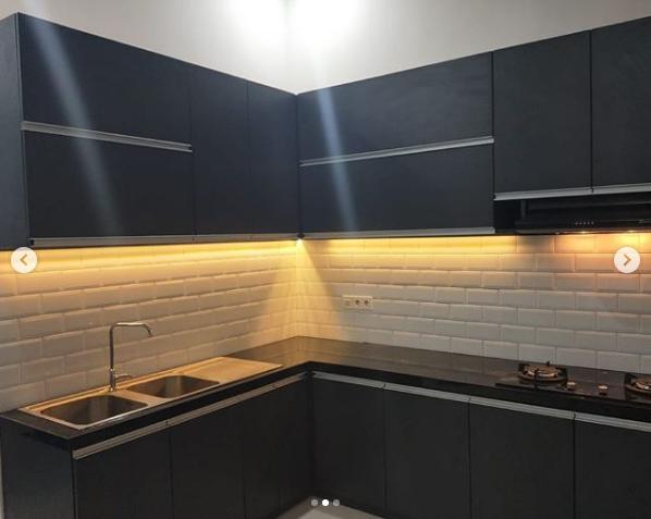 Contoh Keramik Dinding Dengan Lighting