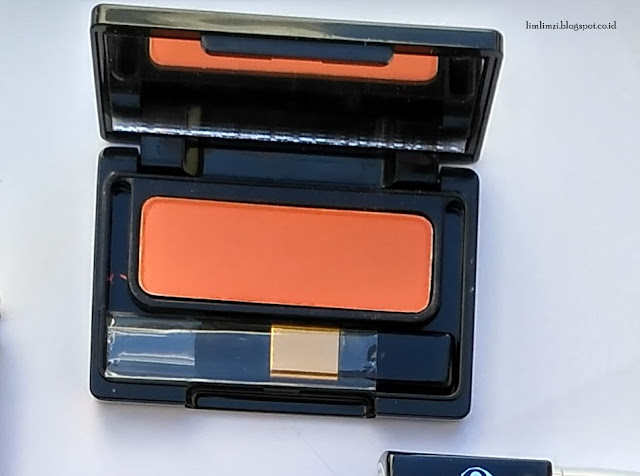 Blush On Silky Smooth (Orange After Glow) face2face