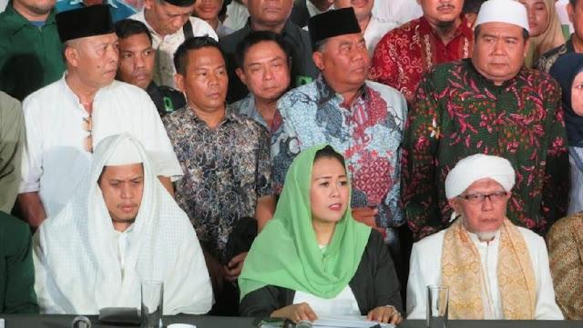 Yenny Wahid Memberi Dukungan Kepada Jokowi