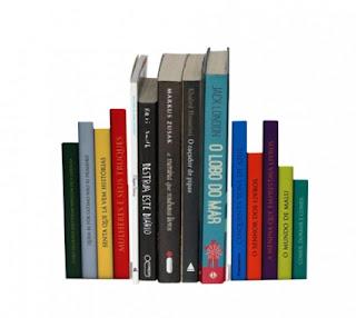 Aparador de Livro - Formato de Livros em uso