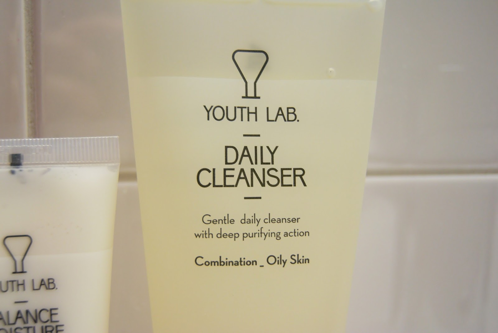 youth-lab-gift-box-daily-cleanser