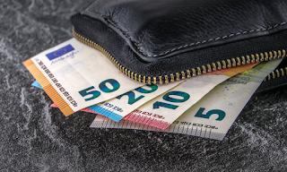 Πασχαλιάτικο… δώρο: Επιστροφή φόρου σε 1.000.000 πολίτες – Ποιοι και πώς θα πάρουν τα χρήματα