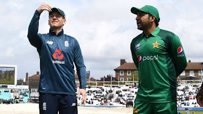 Sarfraz Ahmad and Eoin Morgan at the toss