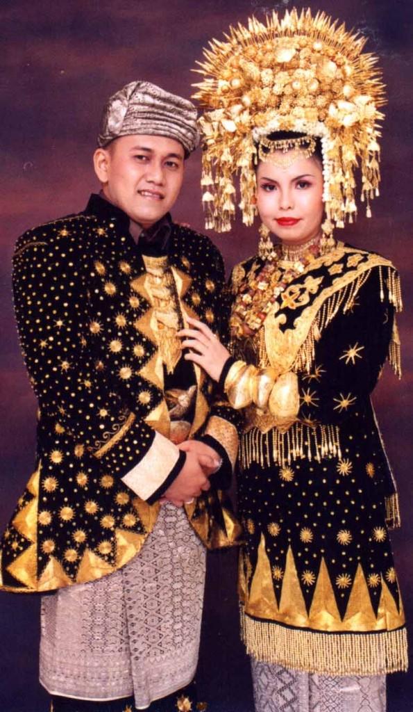 baju pengantin minangkabau