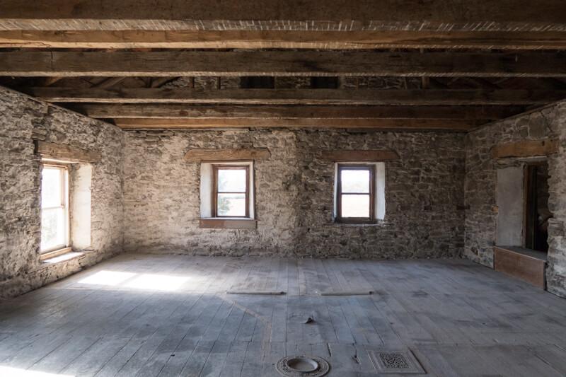 casa in pietra in fase di ristrutturazione