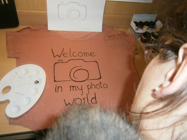 malowana ręcznie bluzka z aparatem - Adzik tworzy